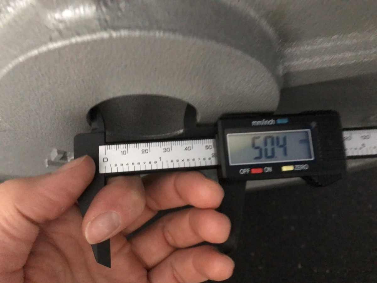 center hole diameter of machined weight plates