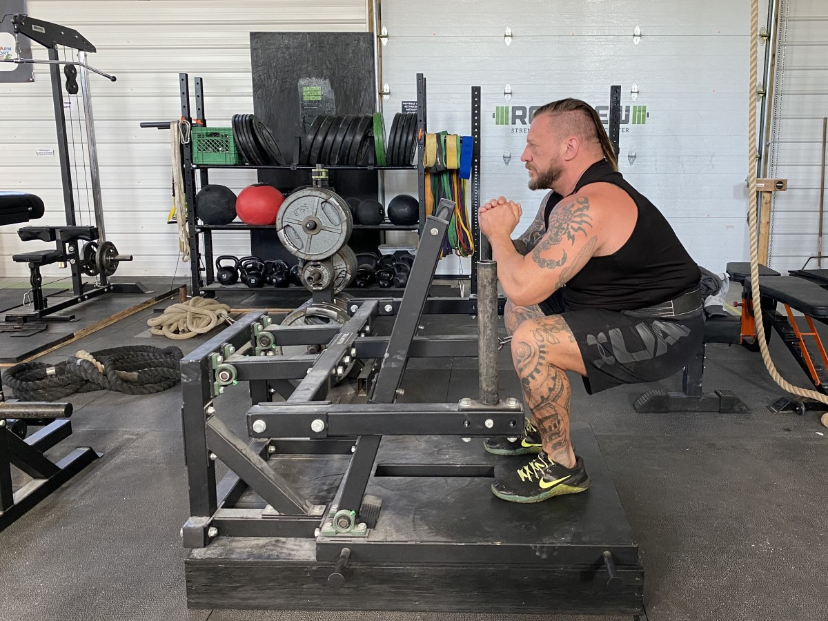 Belt squat demonstration