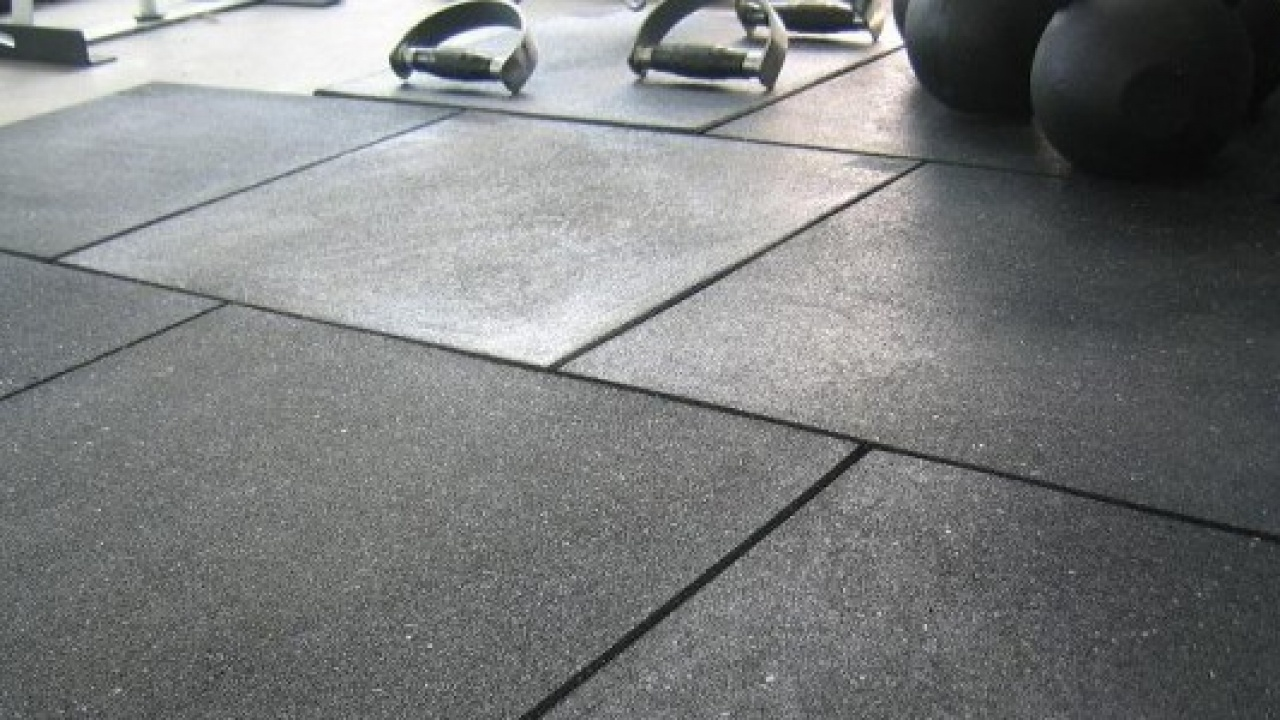 Gym Flooring Guide Rubber Mats And Rolls Updated 2020 Two Rep Cave